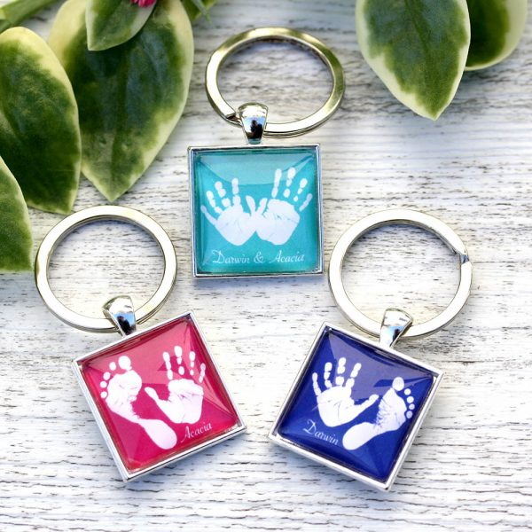 Personalised keyring with handprint and footprint